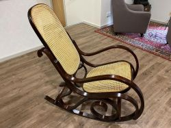 Rocking-chair couleur noyer