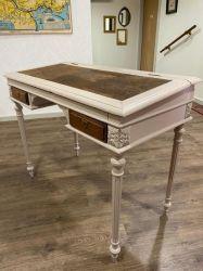 Petit bureau de pente style Louis XVI